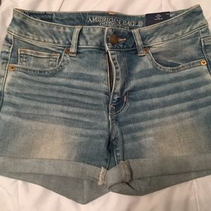 American eagle mid rise shorts